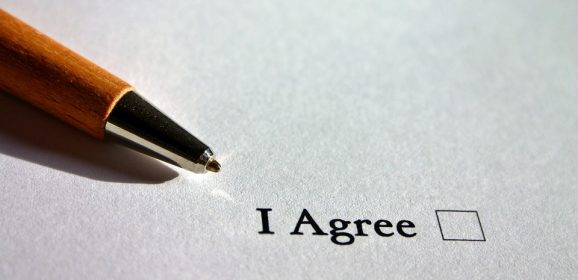 Do You Need to Provide a Balanced Answer to Agree/Disagree Questions?