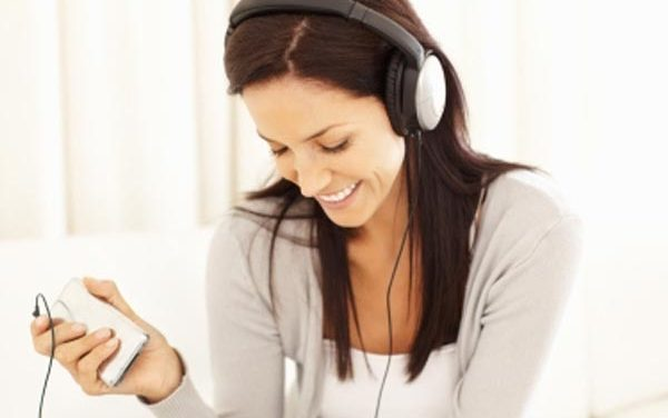 Improve your English listening skills with podcasts